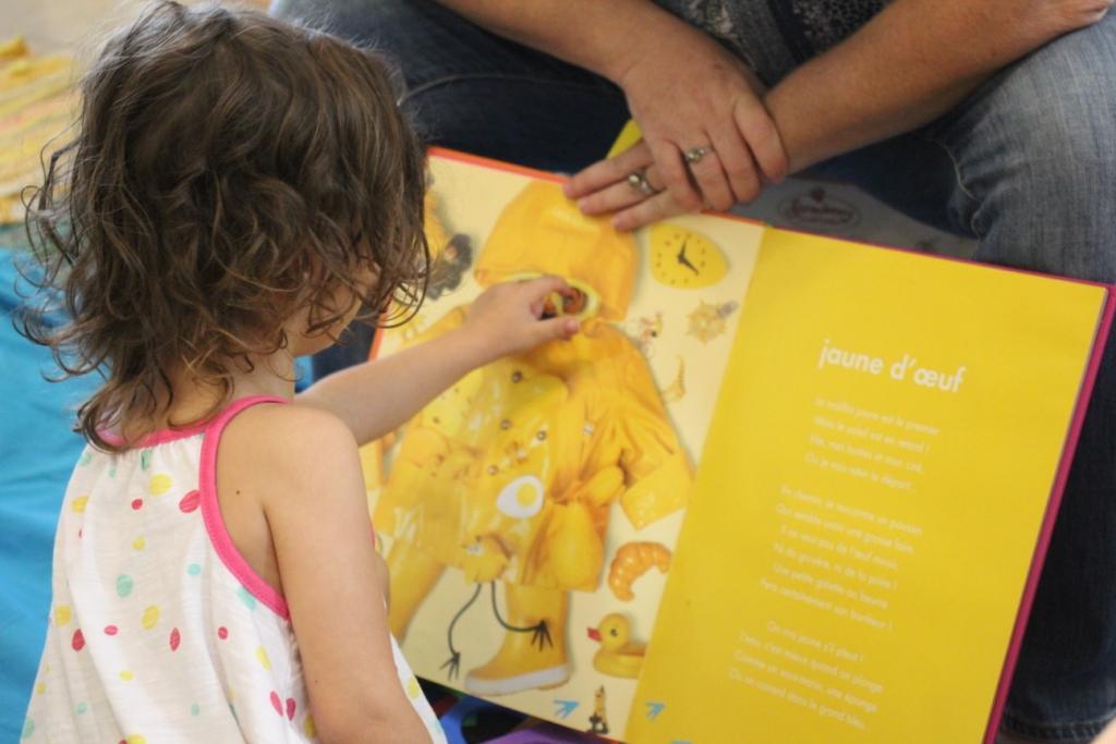 Eveil par la lecture pour les tout-petits ©TFTN